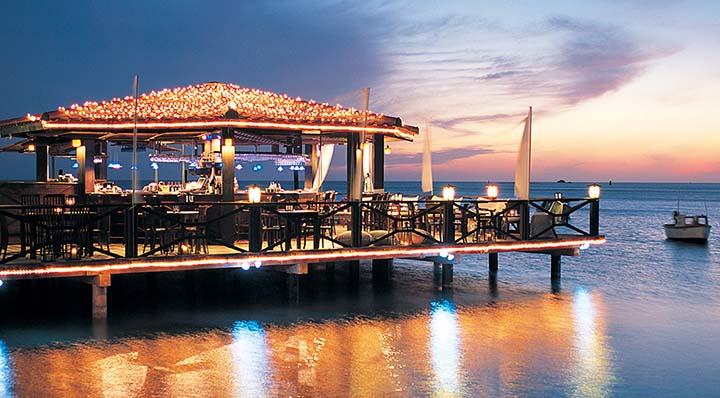 Pinchos Grill Bar Aruba S Most Romantic Sunset Restaurant